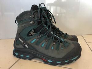 Women's Salomon Quest 4D GTX Hiking Boots, Size 8