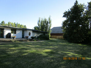 2.21 Acres with 4 Level Split 5 bed 3.5 bath in Sturgeon County
