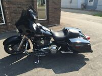 2013 Harley Streetglide - Like Brand New