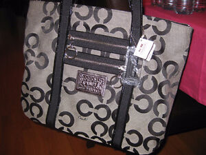 Authentic COACH famous tote style.. NEW with tags