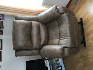 Leather recliner lift chair