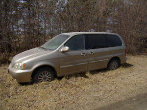 2003 Kia Van for salvage