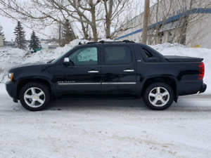 2011 Avalanche LTZ -- DVD/Nav -- only $14,900!!