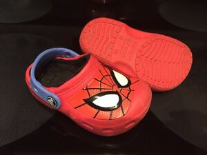 Size 8/9 Lined Spider-Man Croc's