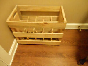 2 WOODEN WINE CRATES HOLDS 15 BOTTLES EACH