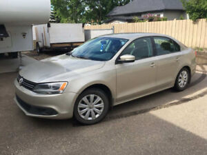 2014 Volkswagen Jetta with LOW kms