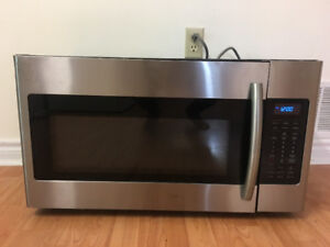 """1 YR OLD SAMSUNG 30"""" OVER THE RANGE MICROWAVE COOKER FOR SALE"""