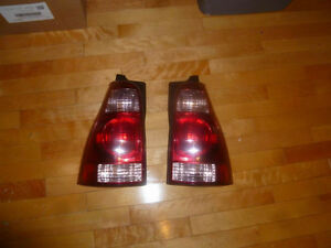 Toyota 4runner 03 a 05 Tail lights / lumieres en arriere
