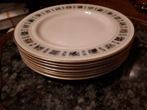 Royal Doulton 'Tapestry' set of  7 dinner plates 10 3/4inch