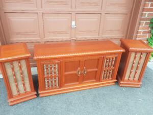Retro-style Stereo Cabinet