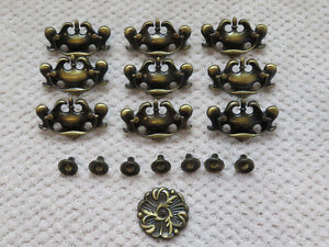 Vintage brass cabinet drawer pull handles and knob Gatineau Ottawa / Gatineau Area image 1