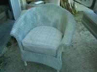 OLD WICKER TUB CHAIR $50 NEEDS PAINT PATIO HOME DECOR !