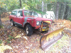 1979 International Scout 2 with plow