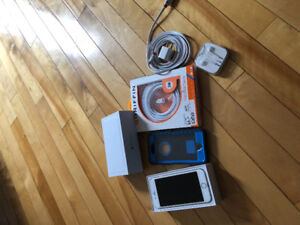 16gb iPhone 6 +otter box +x2 chargers +new head phones