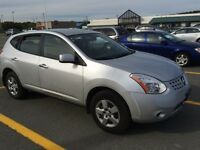 Low mileage lady driven Nissan Rogue