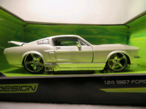1967 ford mustang 124 diecast maisto
