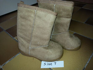 Winter boots - size 7