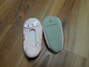 Ballet slippers - size 6-9 months