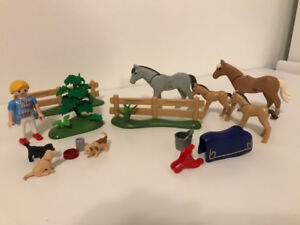 Playmobil horses and puppies - adorable!