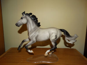 Breyer model horse - Ideal Show Jumper