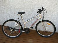 Ladies SUPERCYCLE Mountain Bike - 26 Inch wheels