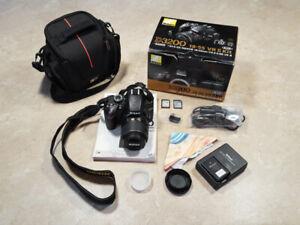 Nikon D3200 (lentille 18-55) avec accessoires