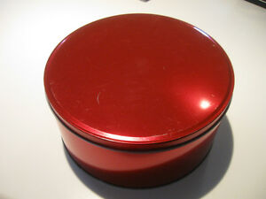 LARGE ROUND COLORFUL VINTAGE COVERED COLLECTOR'S TIN