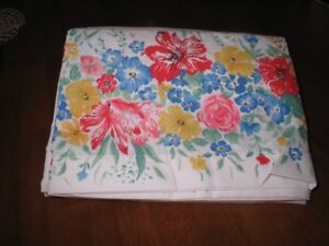 Summer Garden double size bed sheet set never used