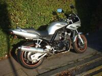 Yamaha FZS600 Fazer Motorcycle