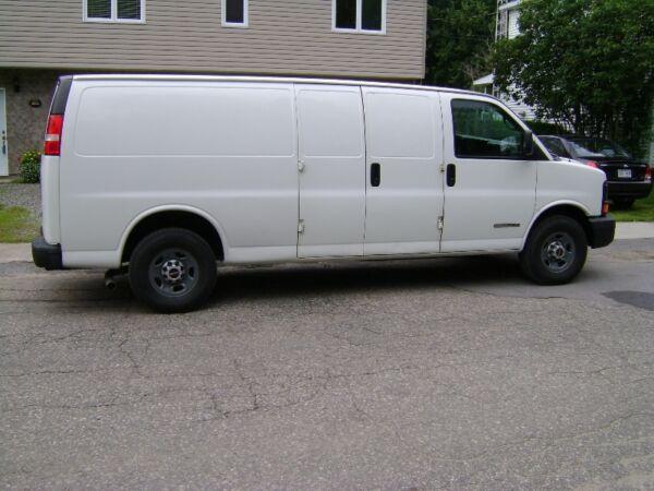 Used 2005 GMC Savana