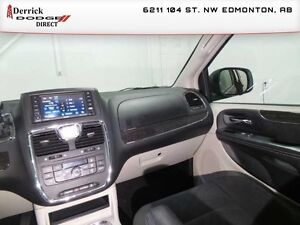 2016 Chrysler Town  Country   Used Touring Rear Back-up Camera $