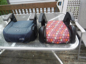 A collection  of car seats West Island Greater Montréal image 2