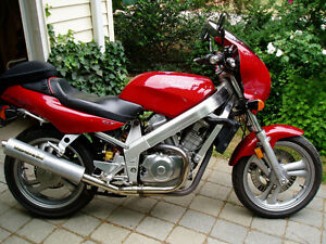 Honda Hawk GT, NT650V,  An excellent  handling, light, low bike