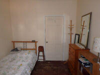 Furnished room for student Plateau Mont Royal 480$