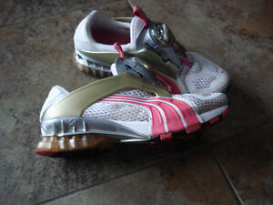 Puma Cell Disc Running Shoes size 6 women or size 4 youth London Ontario image 4
