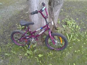 Vélo pour enfant propre