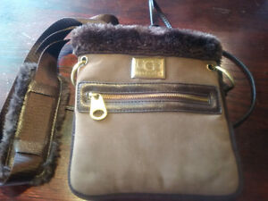 UGG CROSS BODY PURSE IN MINT CONDITION!!!