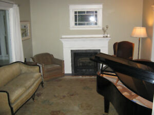 Available - fully furnished house Stratford ON Oct 18 - Jan 11