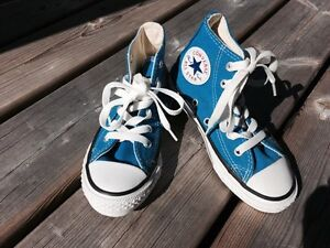 Converse Girls Shoes, never worn