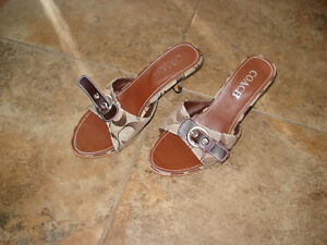 Coach sandals size 6 London Ontario image 2