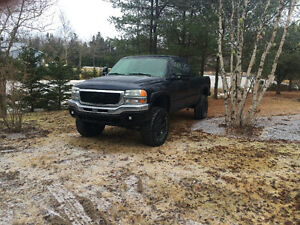 2005 GMC lifted