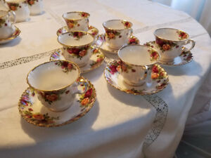 Old Country Roses, Royal Albert Bone China Set