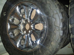 "(MUST SEE!!) 20""x 6bolt chevy gmc, nissan, toyota,with rubber"