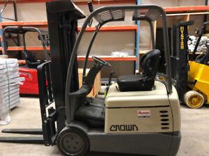 Chariot élévateur électrique 3500 lb Crown SC4000/35