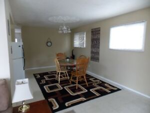 SYLVAN LAKE, AB - Vacation Rental - Cedar House upper level