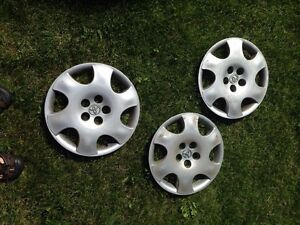 17 inch rim covers (3), Toyota.