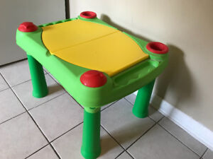 Keter Sand & Water Play Table  EXCELLENT CONDITIO w Kinetic Sand