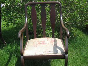 ANTIQUE SETEE AND CHAIR Peterborough Peterborough Area image 2