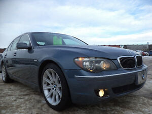 2006 BMW  750i 4.8L V8 LUXURY PKG--NAVI-SUNROOF-H/LEATHER SEATS