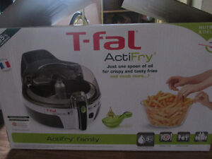 T-fal ActiFry Family Deep Fryer (1.5 KG) - Never Used!